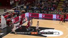 Jamel McLean's Dunk on the Break