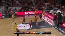 Sylven Landesberg, Corner Three-Pointer