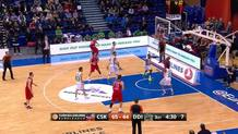 Teodosic dishes a behind-the-back pass