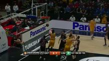 Blocked shots leads to fastbreak dunk