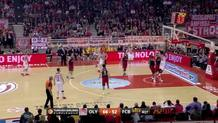 Vassilis Spanoulis's (Olympiacos) great pass