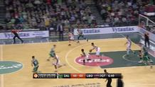 Adam Hanga alley-oop