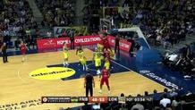 Chris Singleton  (Lokomotiv) dunk