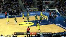 Jan Vesely (Fenerbahce) two-handed slam