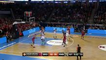 Darius Miller (Bamberg) three-pointer