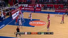 Two-handed slam by Arapovic