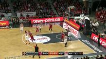 Darius Miller makes a floater in traffic to get Bamberg closer to the lead.