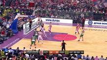 Diamantidis feeds Hunter for dunk