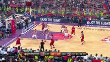 Teodosic creates with a no-look