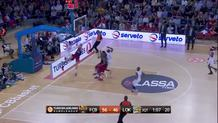 Tomas Satoransky, huge fast break dunk