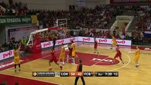 Juan Carlos Navarro (Barcelona) three-pointer
