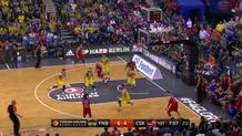 De Colo's behind-the-back dish