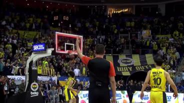 Kostas Sloukas WINS it at the buzzer!