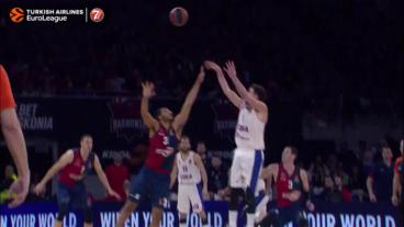 Nando De Colo at the half-time buzzer!