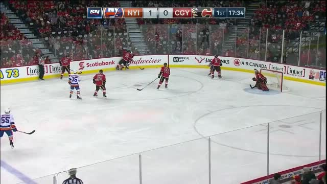 Johnny Boychuk Goal on Mike Smith 210b7bddb